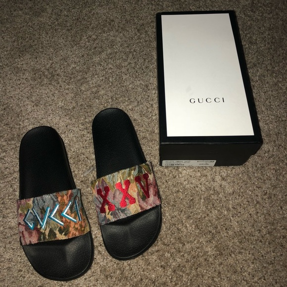 dd09fdcc8560ba Gucci Shoes - Men s size 11 Gucci floral brocade slide sandal